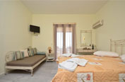 3 bed  studio room self catering naxos